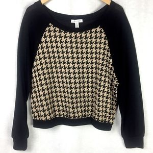 The Houndstooth Pullover Sweater in Black & Tan